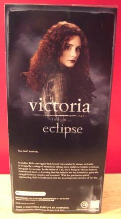 Victoria_doll_back